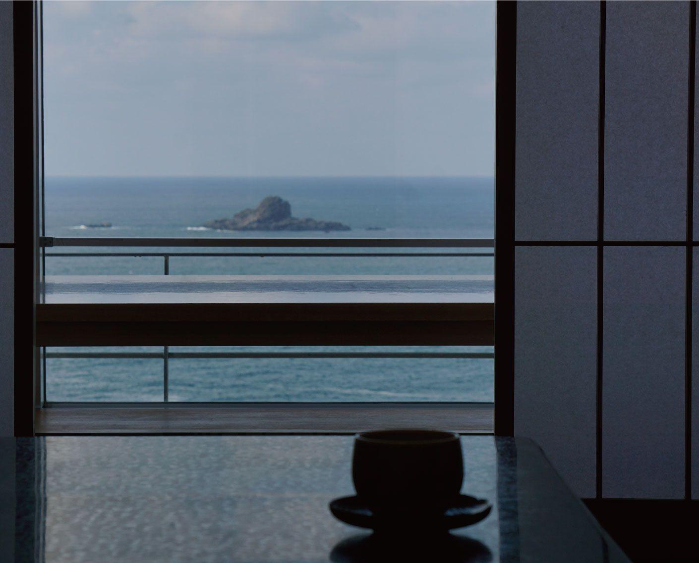 海の入り陽の宿帝水 写真1